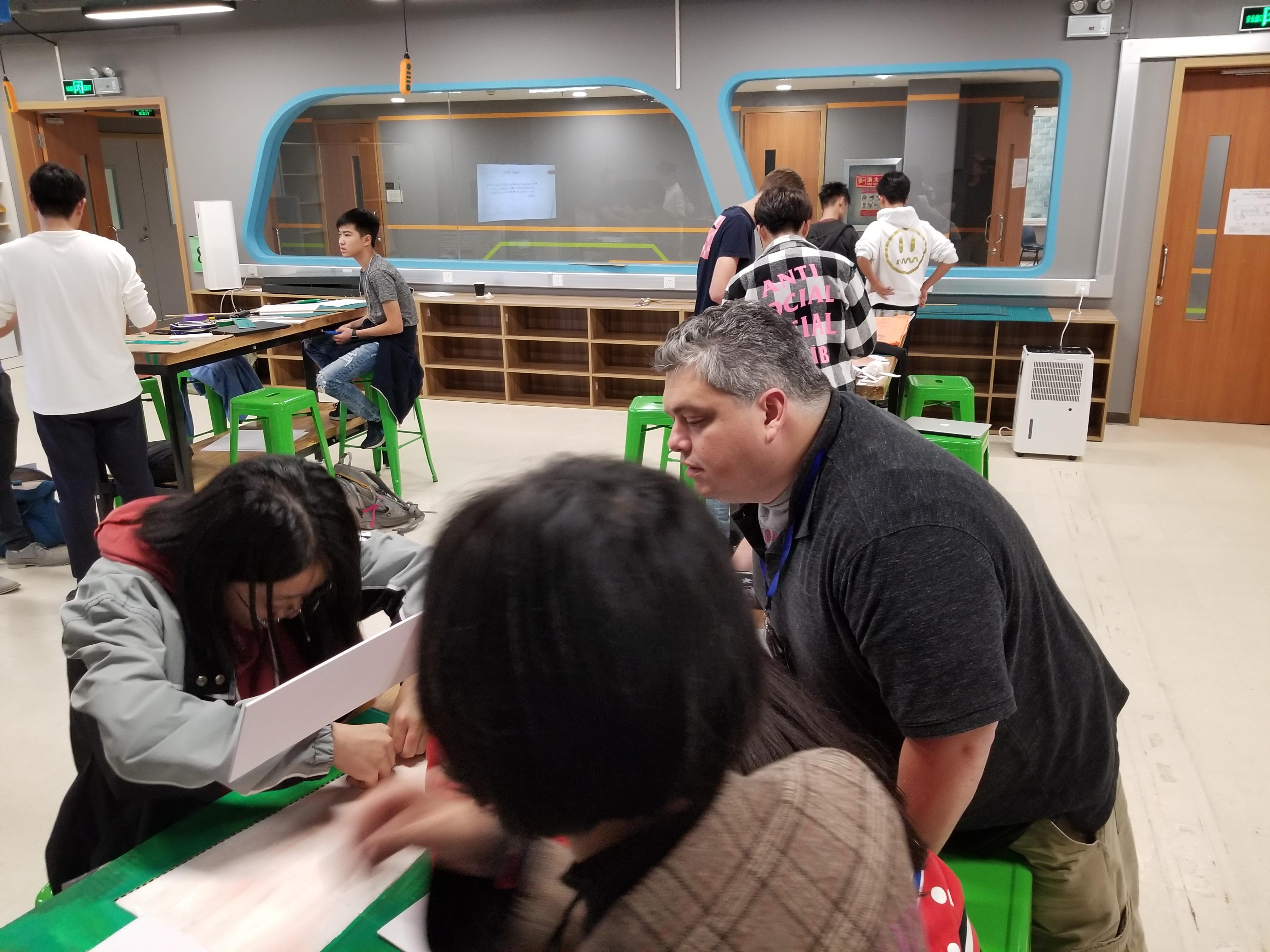 Justin Sheehan instructing students
