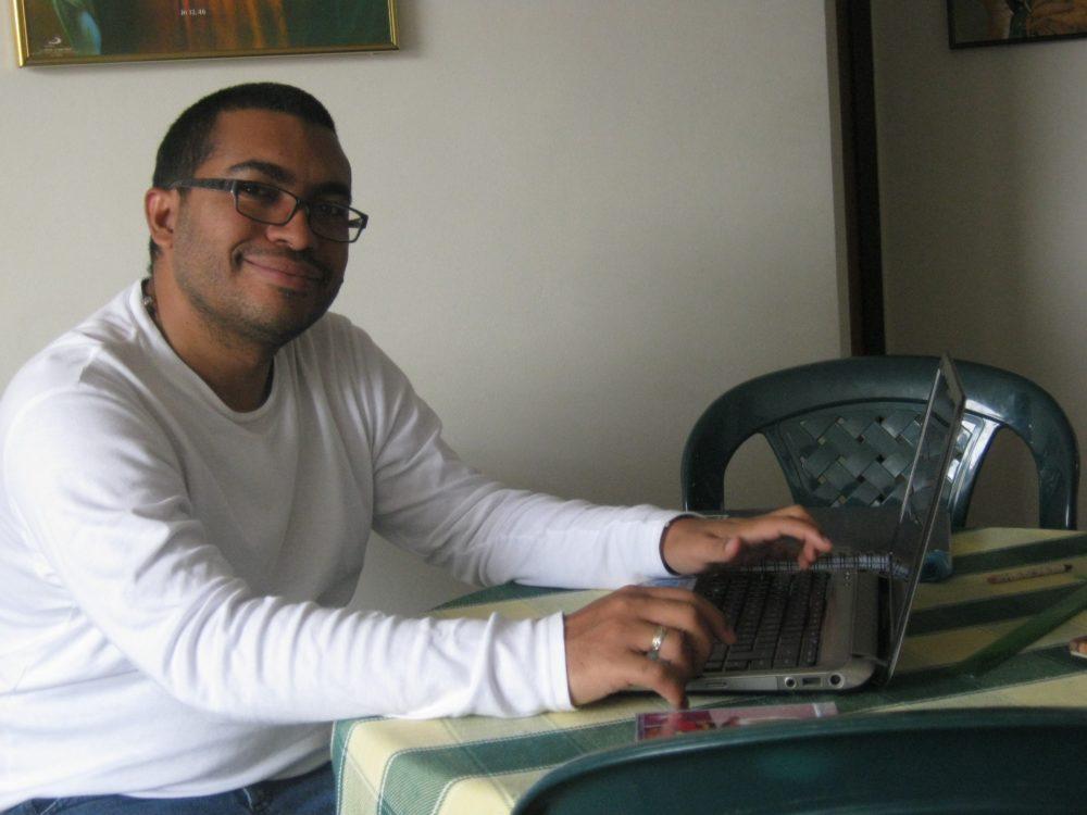 Picture of Juan Manjarrés working at a laptop